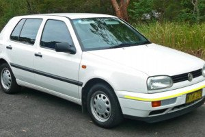 Volkswagen-Golf-010